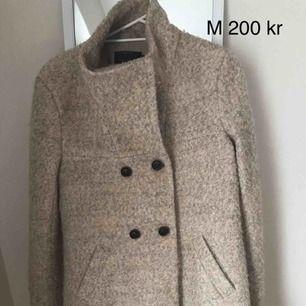 Säljer min kappa i begie