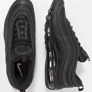 Knappt använda Nike air Max 97