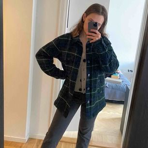 Oversized checkered green jacket/ Grön flanelljacka