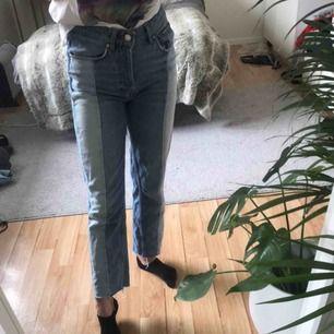 jeans från mango storlek 34. 300 kr