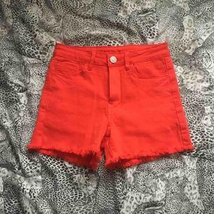 Shorts från VILA aldrig använda. Köparen står för frakt💛