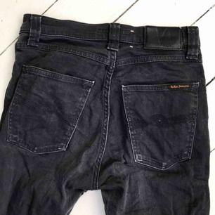 Ett par svarta nudie jeans i bra skick! Liten i storleken 🦋 möts upp i Malmö annars står köparen för frakt