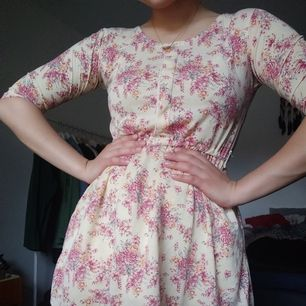 Cute summer dress. To thick for it tho