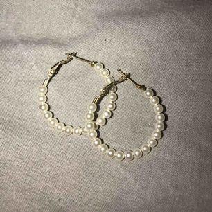 Pärlörhängen 🌸
