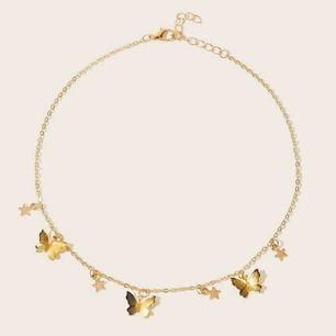 Guldfärgat halsband med fjärilar!💛