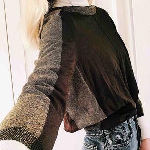 Super fin tröja med glittriga detaljer från Zara. Strl S Fint skick!