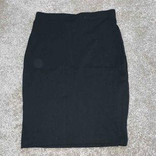 2 kjolar från H&M i storlek xs. (Inkl frakt)