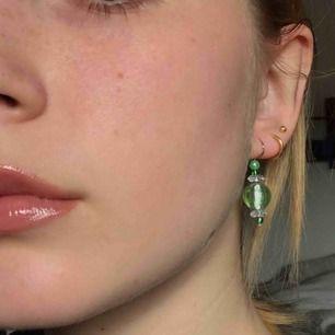 Jätte fina gröna örhängen bara använda vid bilden