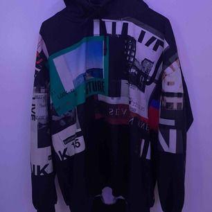 En super snygg och skön hoodie från NAKD