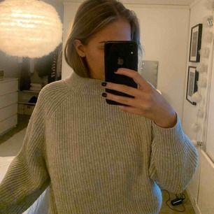 Stikad tröja använd två gånger beige färg 💕💕