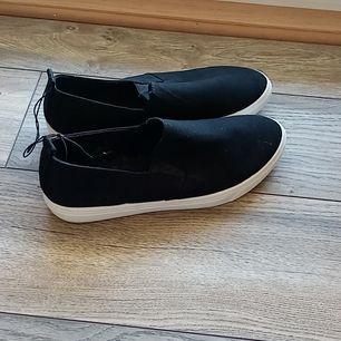Oanvända skor storlek 39