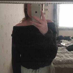 Så sjukt mysig stickad tröja sticks inte nästan aldrig använd frakt tillkommer🥰