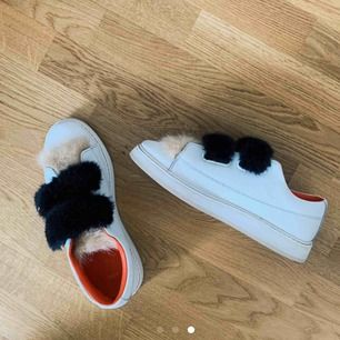 Söker dessa skor i storlek 36 eller 37. Från zara 💕💕 hör gärna av dig om du har ett par som du vill sälja