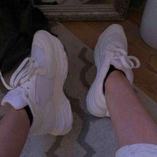 Chunky sneakers från NAKD. Bara använda en gång så i nyskick!