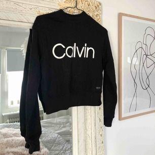 Äkta Calvin Klein tröja. (Inte super tjock, använd max 2 gånger)