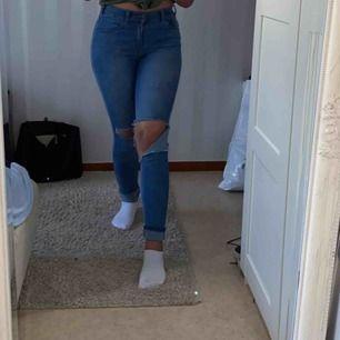 Dr denim Jeans modell-Lexy  Pris kan diskuteras   använd 2-3 gånger