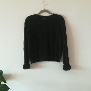 Stickad tröja från Bershka. Aldrig använd
