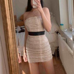 Helt oanvänd klänning från hm.
