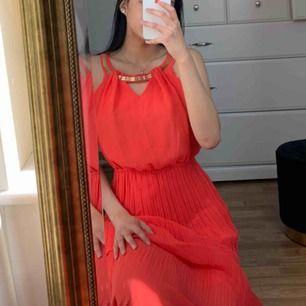 Ny lång klänning. Så fin till sommaren.