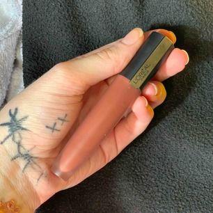 Helt nytt liquid lipstick från loreal Paris i färgen I explore 116
