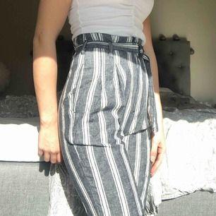 Ascoola kostymbyxor från abercrombie and fitch, aldrig använda då det inte riktigt är min stil