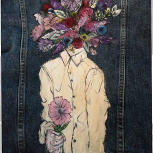 """Demin jacket jag själv målat i akrylfärg💕Vatten fast färg kan tvättas💕Motivet är """"Flower boy""""  Jackan är köpt i London men målningen har jag gjort hemma💕för mer bilder skriv💕🙏"""