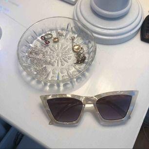 Ett par jättefina solglasögon från & other stories, oanvända! 💕