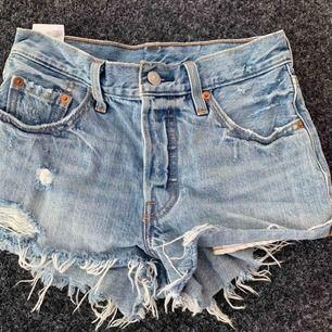 Blåa jeansshorts från Levis