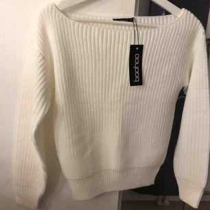 Stickad tröja från Boohoo aldrig använd  Storlek S men ganska liten så passar XS också