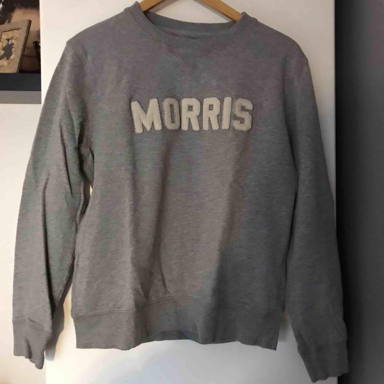 Herrtröja ifrån Morris, storlek M. Frakt ingår.. Huvtröjor & Träningströjor.