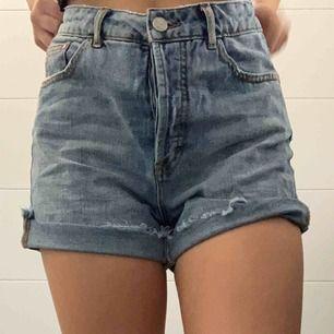 Jeansshorts från Bikbok! Säljer pga att dem är för stora.