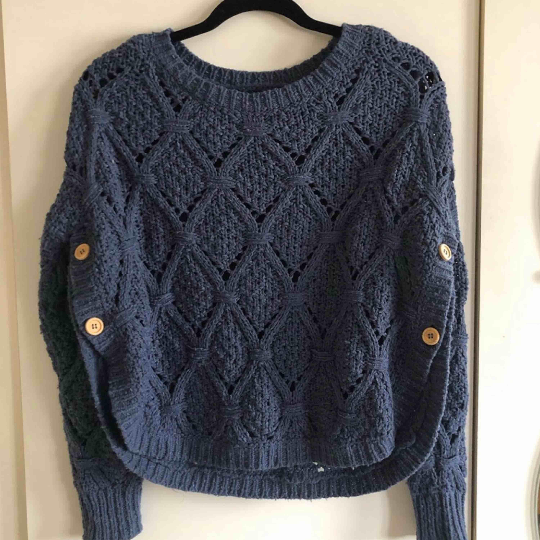 Såååååå fin tröja från ONLY! Superfint skick. Kommer tyvärr inte till användning längre🙁. Stickat.