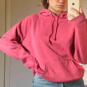Jättefin hoodie i en fin rödrosa färg, fraktkostnad tillkommer💕