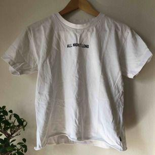 T-shirt från Lee i lite tjockare material 💘