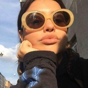 Solglasögon från pop. Fint begagnatskick! Frakt 11kr