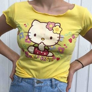 Säljer min super söta gula hello Kitty t-shirt