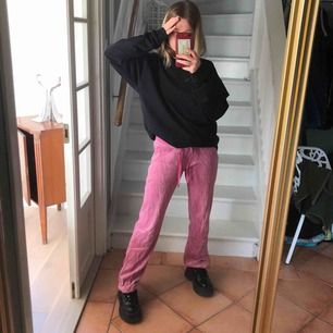 pink low waisted pants, i'm 164cm and delivery is not included