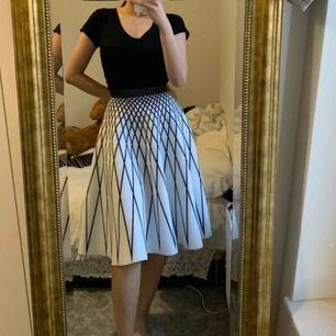 Sååå fin kjol endast använd 1gång