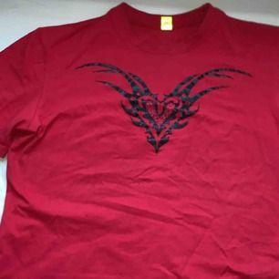 As cool t shirt från Cyberdog London?? Passar en S skulle jag säga.