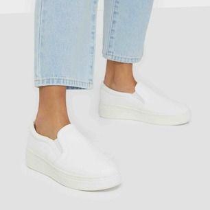 Säljer ett par skor från Nelly. De är endast använda vid några tillfällen. Hör av dig om du vill ha egna bilder.