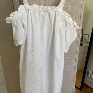 Vit klänning från Pimkie ☀️