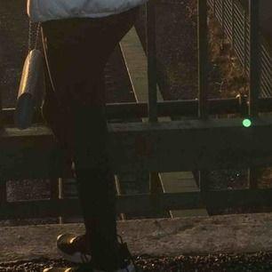 Har även dessa jeans i vitt från bik bok ❤️