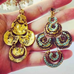 I want to sale my beautiful earrings, which I used very very rare. They are in good condition like new. I bought them from NK for 1500:-