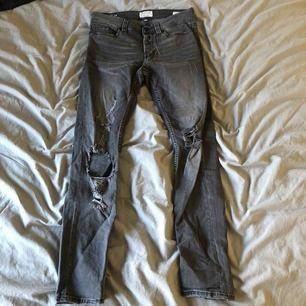 Helt nya Svart/gråa jeans från Jack and Jones