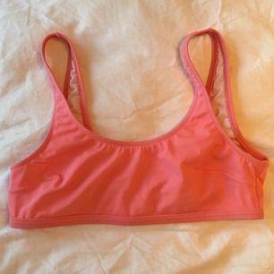 Bikini-överdel i rosa från Even&Odd. Mycket lite använd. Frakt kostar 10kr ✨