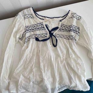 Två fina helt oanvända tröjor från Odd Molly. 100kr styck eller 150kr för båda 2.