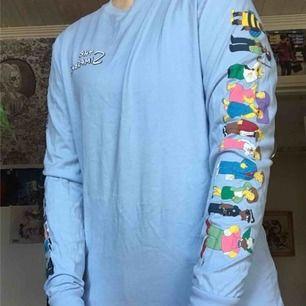 The Simpsons långärmad tröja från H&M. Använd en gång så den är så gott som ny.