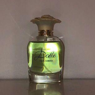 Dolce & Gabbana parfym. Nästan helt full (använd ett fåtal gånger alltså).