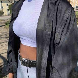 Striped shirt! Pris kan diskuteras och köparen står för frakt💜