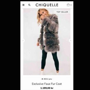 Faux fur jacket från chiquelle. Säljer pga att jag inte använder den. Priset går att diskuteras och frakten står köparen för